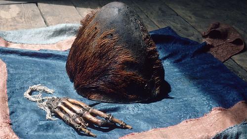 pangboche  and yeti-skull-and hand