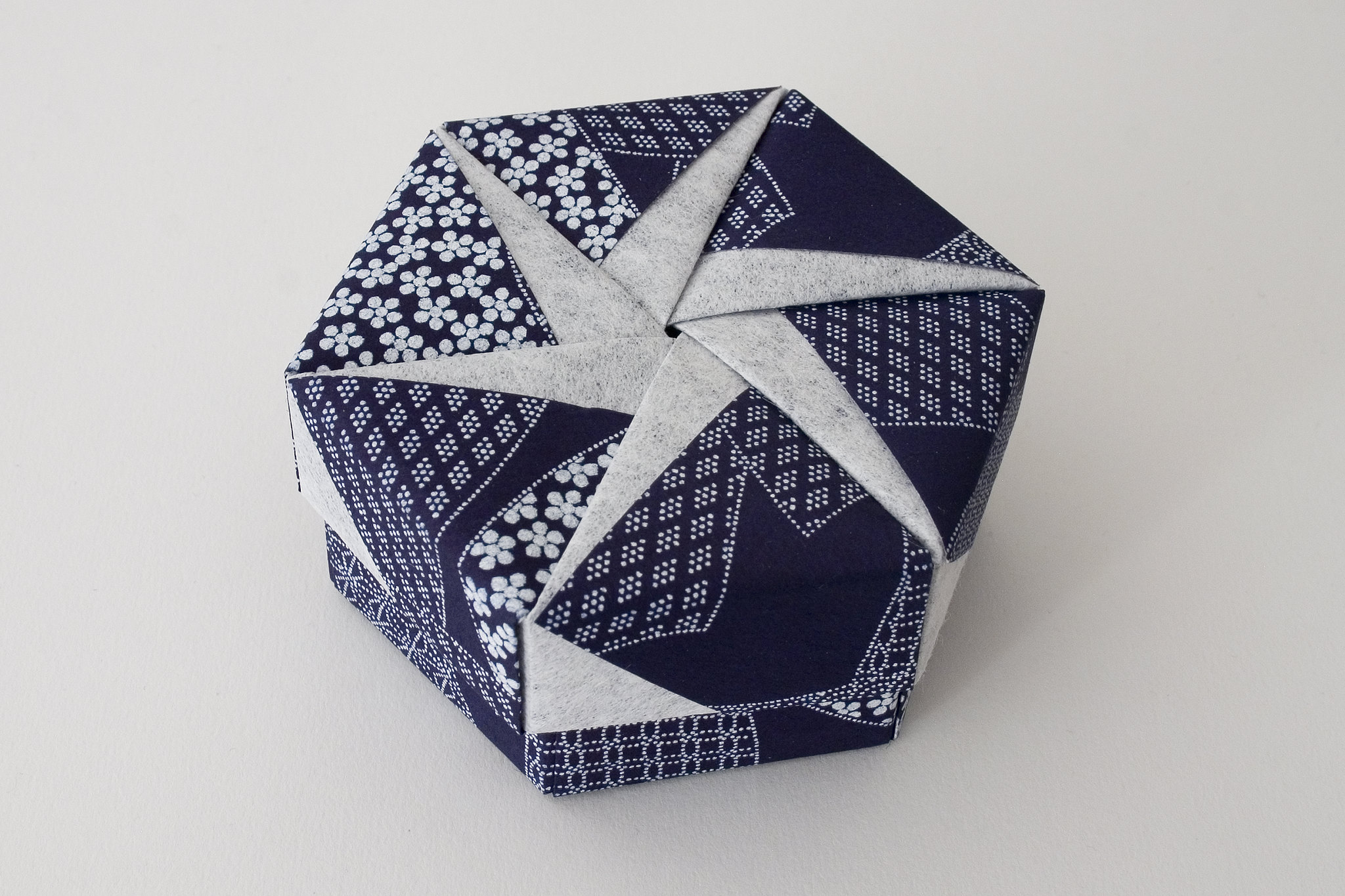 Hexagonal Origami Box with Lid #18 | Flickr - Photo Sharing! - photo#50