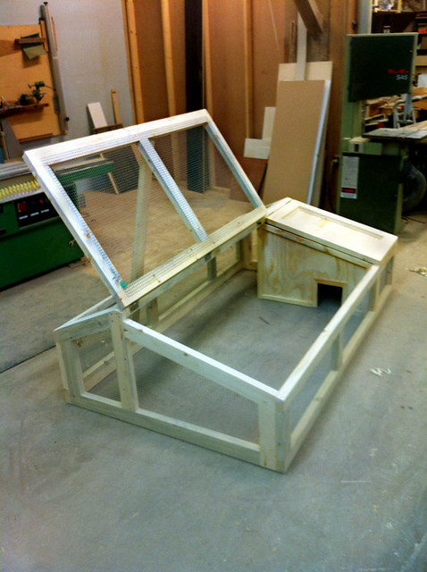 Rabbit hutch 3 flickr photo sharing for Simple rabbit hutch