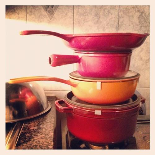 襯周太瞓左,入廚房玩疊疊樂!橙紅系列又多一名!