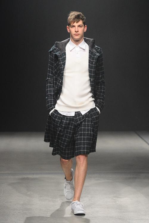FW12 Tokyo Sise021_Maxime Bergougnoux(Fashion Press)