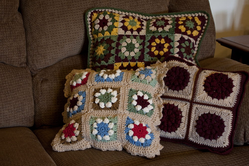 Prairie Star Motif Pillow, Side 2