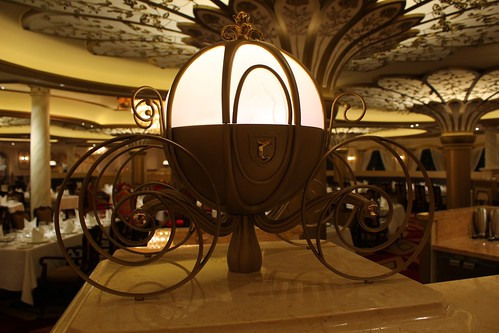 Royal Court restaurant - Disney Fantasy