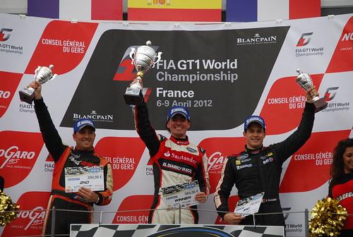 Ander Vilariño en primera posición, Romain Thievin en segunda posición, y Dimitri Enjalbert en tercera