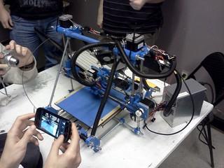3D Printer (RepRap PrusaMendel)