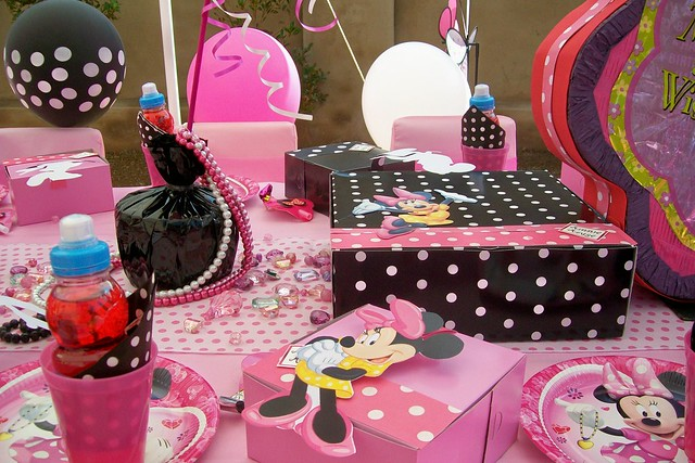 Decoracion Cumplea?os Minnie ~ Minnie Mouse  bedazzled, bejewelled     Flickr  Photo Sharing!