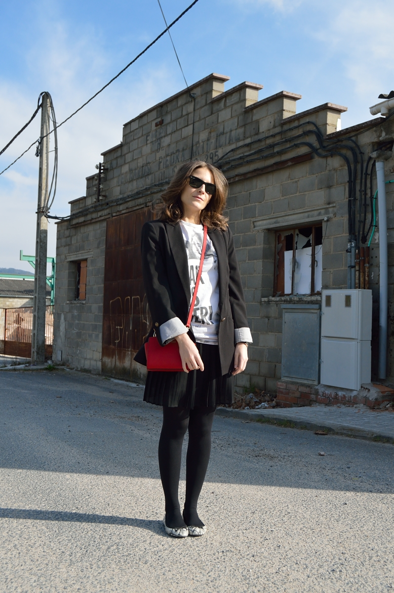 lara-vazquez-madlula-blog-style-fashion-easy-black-outfit