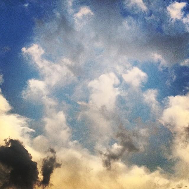 #instagram #instagood #korea #seoul #seoul_korea #rain #cloud #variety #fantastic #color #sky 오늘 마주친 #하늘 #빛깔 넘 환상적이었다 ^^