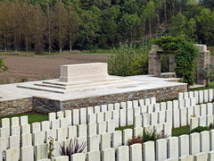 Stone of remembrance, Bagneux British Cemetery