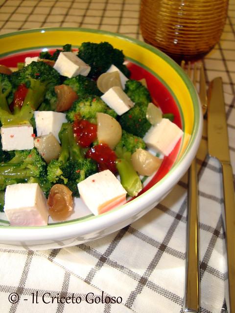 Insalata di broccoli, primosale e cipolline