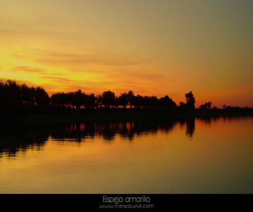 Espejo amarillo by IvanPawluk2