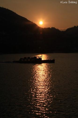 sunset lake como lago boat is usm ef battello f4l 24105mm canoneos40d