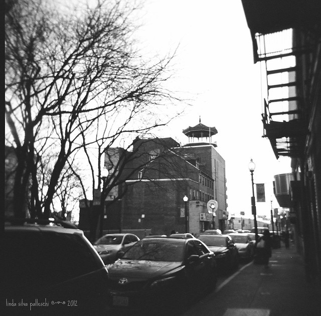 042.366 | a pagoda in Chinatown