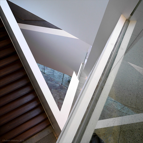 "urban graphic geometry australia melbourne abstrakt geometrie abstracted urbangeometry archittetura graphicarchitecture abstractedreality architectureinmelbourne theianpottergalleryatfederationsquare ""peakgraphic ""inbetweenwhite"
