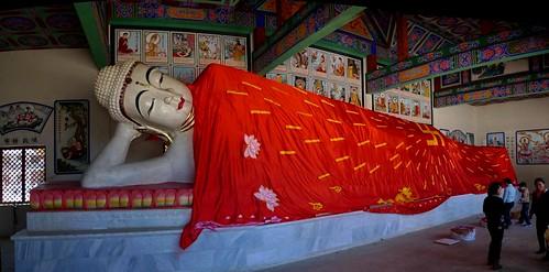 Gejiu, China pano_reclining_buddha_crop_fixed