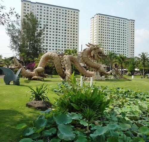 V 12-Ho Chi Minh-Parc--sculptures (7)