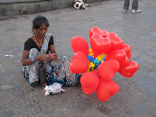 Mumbai, street vendor on Valentine's