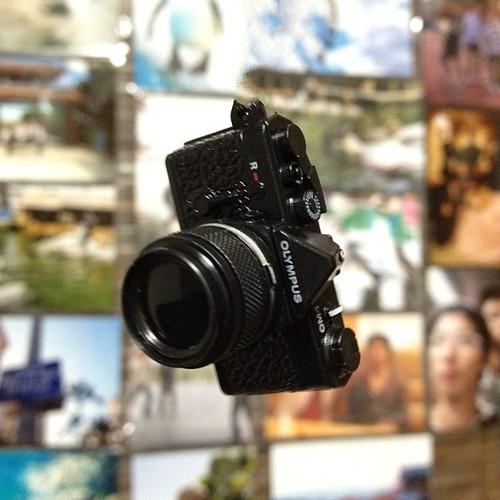 OLYMPUSのイベントでもらったカメラ型ストラップ☆