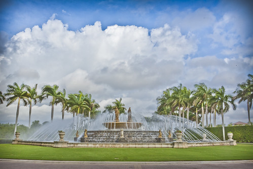 trees sky usa cloud water fountain beautiful statue stone clouds america canon eos unitedstates florida wideangle spray palm palmtrees american palmtree marble oldworld newworld 50d canon50d