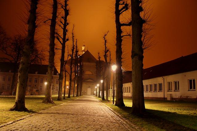 Abdij Van Vlierbeek at night