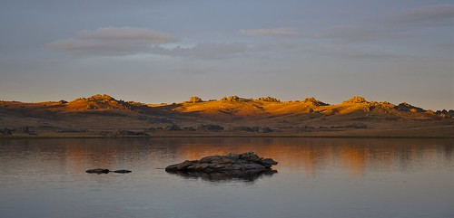 sky lake water bike sunrise otago mountainbiking touring dunstan freeload