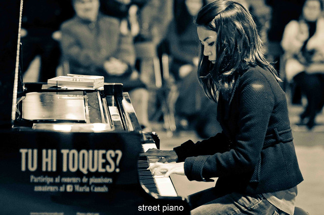 163/366: street piano
