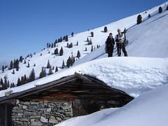 Alex und Axel auf dem Dach der kleinen Neubergalm