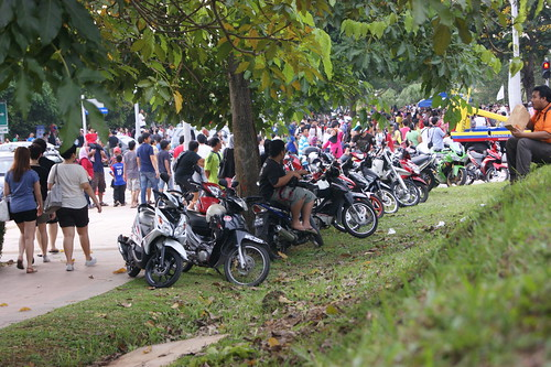Orang Ramai di Fiesta Belon Udara Panas Putrajaya 2012