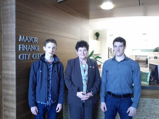 Poulsbo Mayor Becky Erickson meets with KitsapMaker Team