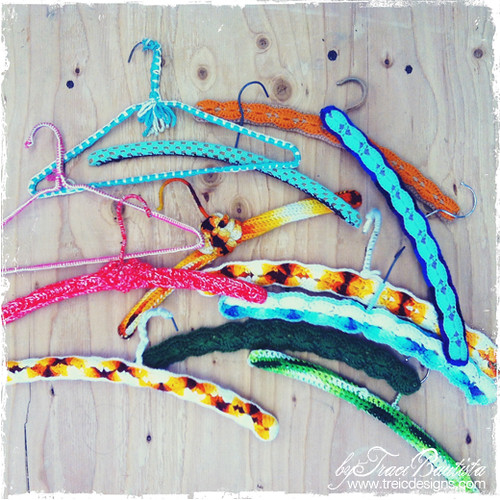 traci_bautista_vintage crochet hangers