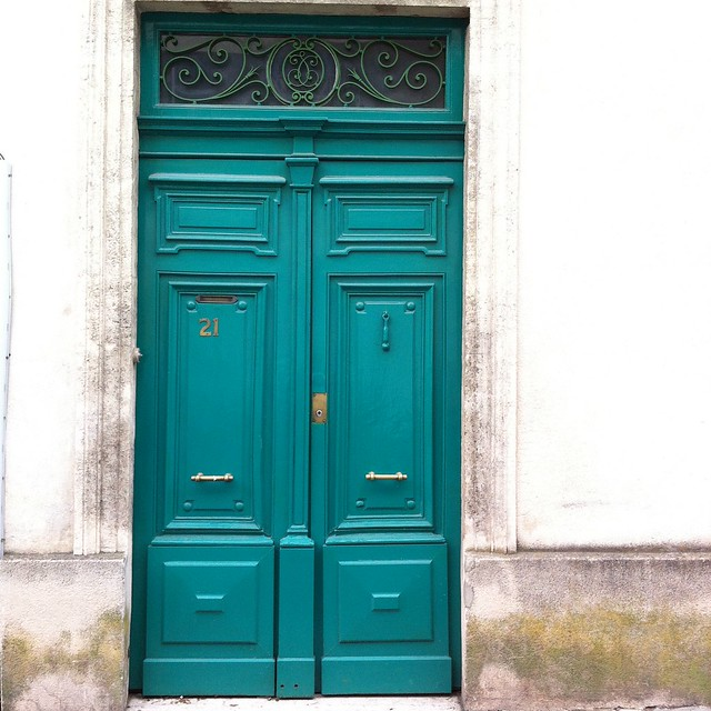 Montpellier doors