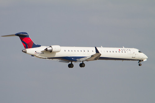 Delta Connections Canadair CRJ-900 N820SK Photo_313