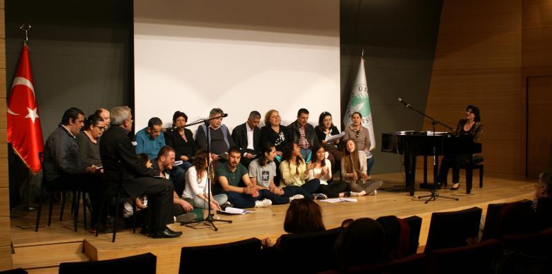 Şizofreni hastalarından müzikal tiyatro gösterimi 2