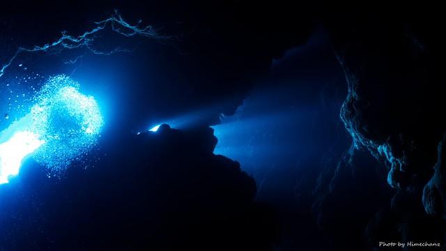 洞窟の光がキレイでした!!!