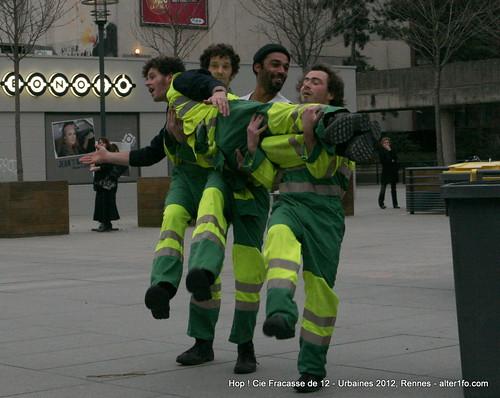 Hop ! Par la compagnie Fracasse de 12 @ Urbaines 2012, Rennes-29