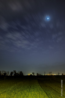 Crescent moon , Venus and Jupiter II