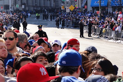 Crowds await the New York Giants