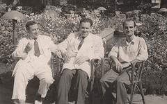 مع السباعي ومنيف السبيعي  - الاسكندرية - 14 أيار 1953