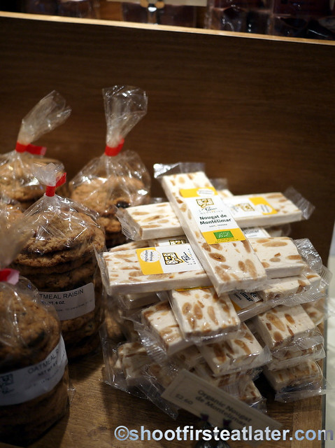 Le Pain Quotidien - oatmeal raisin cookies & nougat de montelimar