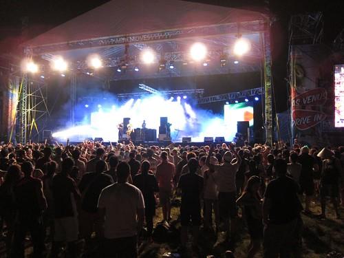 Sneaky Sound System - Future Music Festival Asia (FMFA) 2012