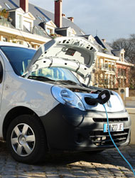 plug-in hybrid in Plessis-Robinson (by: Commune of Plessis-Robinson)