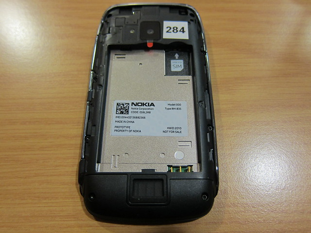 Nokia Lumia 610 - Battery Off