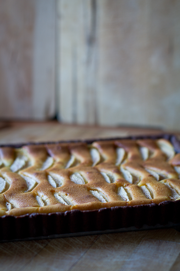 Gluten free pears and mascarpone tart