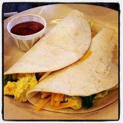 bread(0.0), taquito(0.0), pupusa(0.0), roti prata(0.0), baked goods(0.0), tortilla chip(0.0), quesadilla(0.0), roti(0.0), naan(0.0), roti canai(0.0), burrito(0.0), chapati(0.0), meal(1.0), breakfast(1.0), flatbread(1.0), tortilla(1.0), food(1.0), piadina(1.0), dish(1.0), cuisine(1.0),