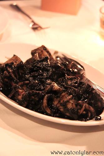 Sotong Hitam Manis, Bijan Bar & Restaurant
