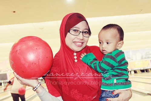 hanif-bowling6