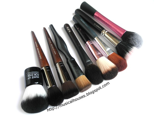Blush Brushes Comparison 1