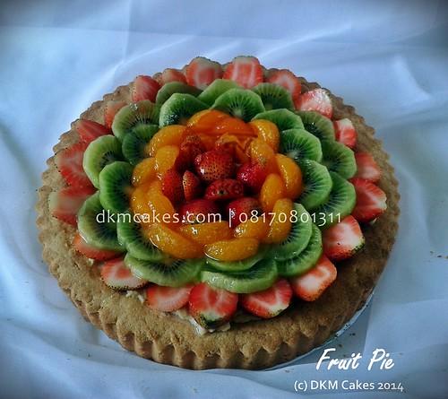 fruit pie, DKM Cakes telp 08170801311, DKMCakes, untuk info dan order silakan kontak kami di 08170801311 / 27ECA716  http://dkmcakes.com,  cake bertema, cake hantaran,   cake reguler jember, custom design cake jember, DKM cakes, DKM Cakes no telp 08170801311 / 27eca716, DKMCakes, jual kue jember, kue kering jember bondowoso   lumajang malang surabaya, kue ulang tahun jember, kursus cupcake jember, kursus kue jember,   pesan cake jember, pesan cupcake jember, pesan kue jember,   pesan kue pernikahan jember, pesan kue ulang tahun anak jember, pesan kue ulang tahun jember, toko   kue jember, toko kue online jember bondowoso lumajang,   wedding cake jember,pesan cake jember, beli kue jember, beli cake jember