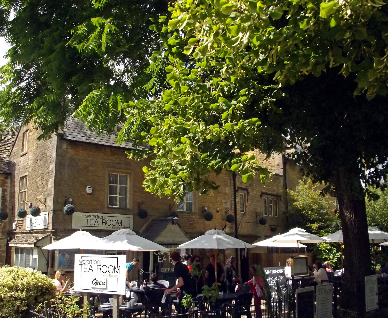 Waterfront Tea Room and Eatery - Riverside, Bourton-on-the-Water. Credit Elliott Brown