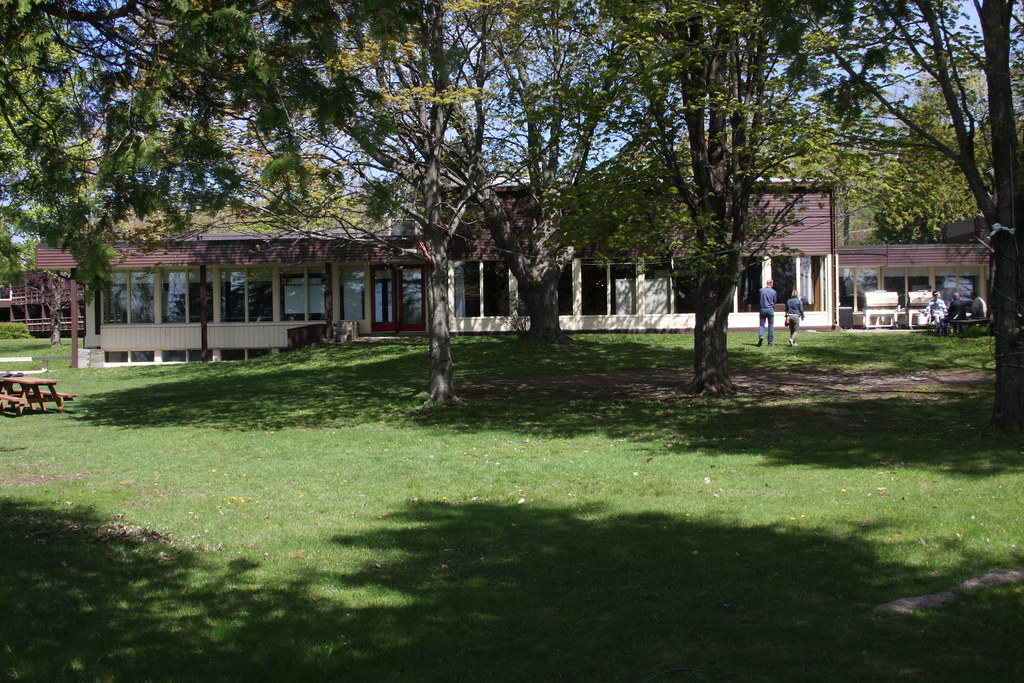 Hotels Near Simcoe